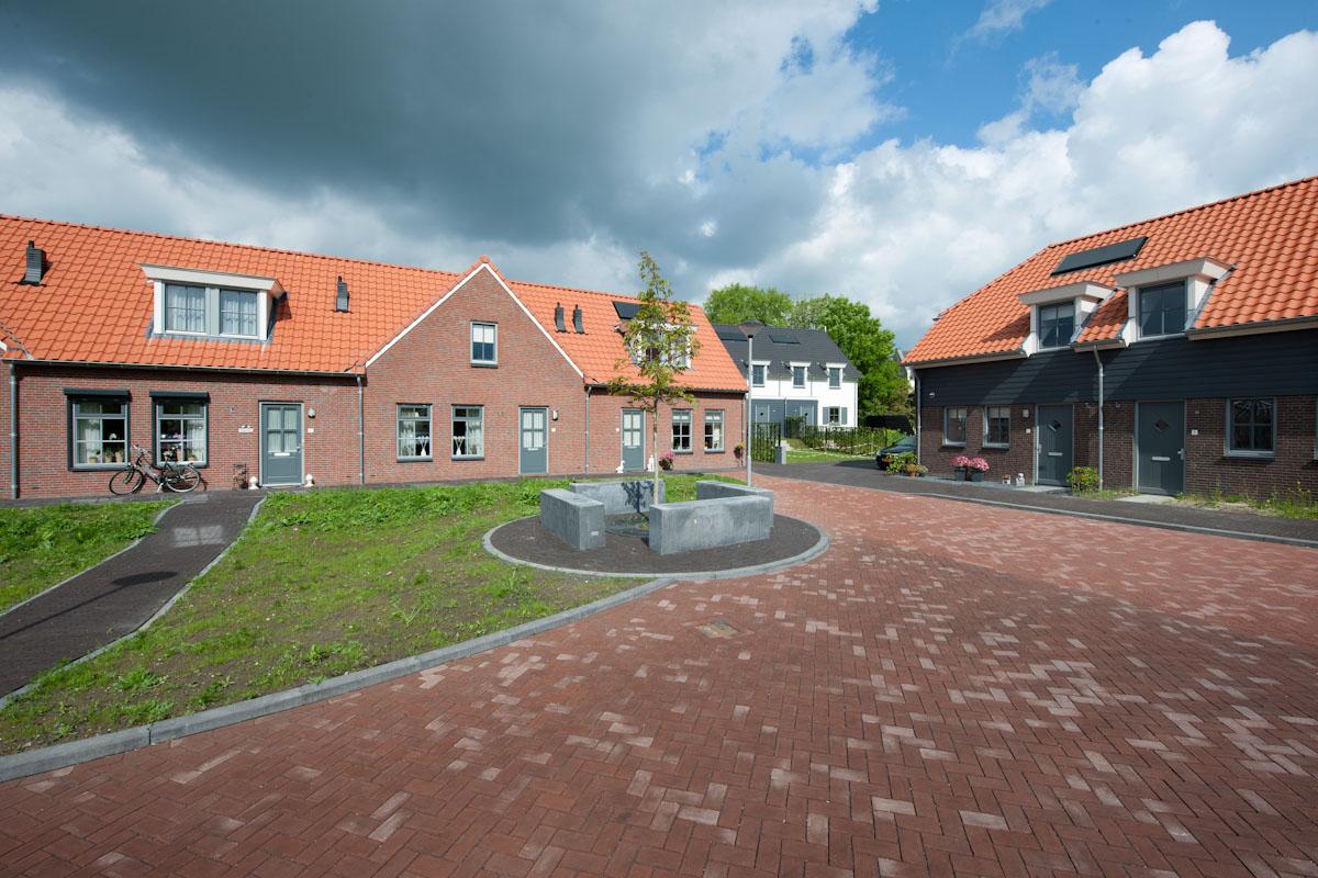 nieuwbouw 13 woningen Zuilichem
